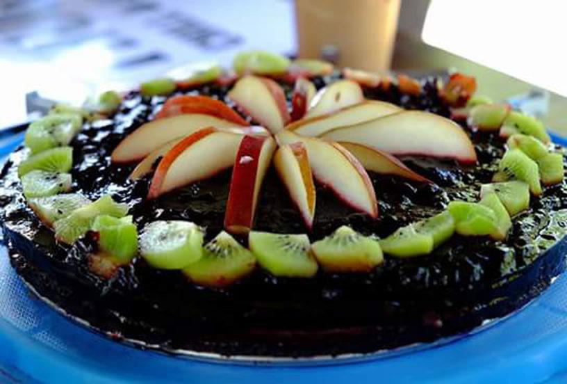 Torta od limuna s preljevom od borovnice